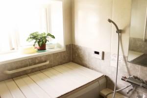 【和歌山市】お風呂リフォームのタイミングって?|和歌山市リフォームと屋根外壁塗装専門店