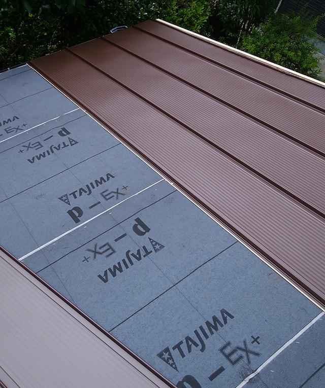 屋根の葺き替え工事なら秀建