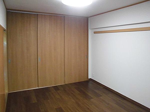 和室から洋室へリフォーム!押し入れは収納スペースと勉強机に大変身!